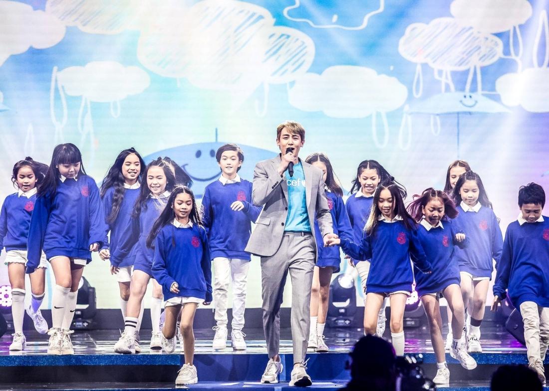 นิชคุณ และน้อง ๆ จาก D Dance Thailand ร่วมโชว์ในรายการ