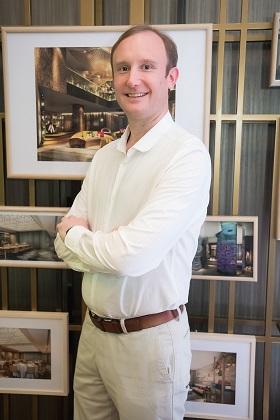 มิสเตอร์ ไซม่อน ดูว์เธ็ต ผู้จัดการทั่วไป โฮเต็ล อินดิโก ภูเก็ต ป่าตอง