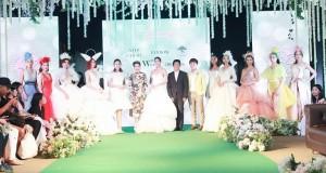 """สุดอลังการ เปิดงาน """"Wedding Fair 2019 by NEO"""" """"แพนเค้ก"""" นำทีมนางแบบชั้นนำเดินแบบชุดวิวาห์คับคั่ง"""