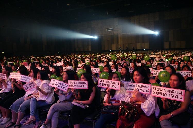 [6] NCT U (TAEYONG x TEN) FAN MEETING in BANGKOK