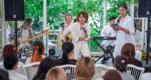 """มนต์เสน่ห์เห่งเสียงร้องของ """"NIMO"""" สะกดคนดูอยู่หมัด  ในงาน White Secret Party – Exclusive Acoustic Show with Nimo"""