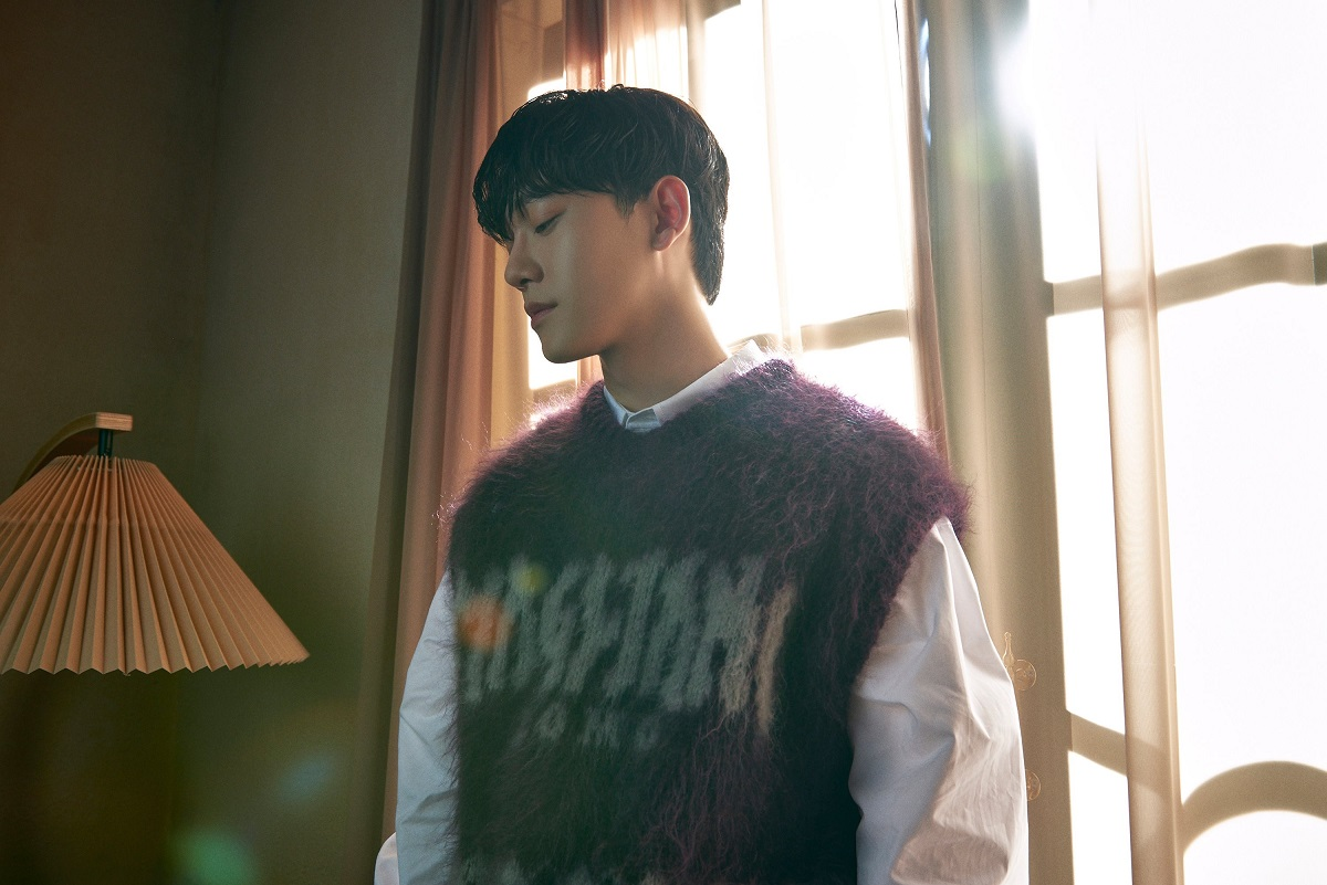 [Image 2] CHEN - Single 'Hello'