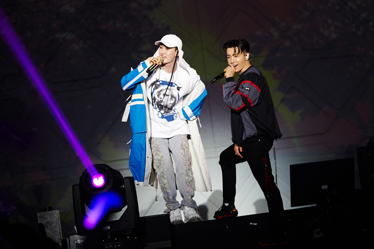 [Image 6] SUPER JUNIOR-D&E CONCERT [THE D&E] in BANGKOK