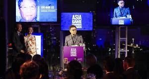 Lee Soo Man ผู้บริหารค่ายเพลงยักษ์ใหญ่ SM Ent.  ชาวเกาหลีคนแรกที่คว้ารางวัลจากงาน Asia Game Changer Awards