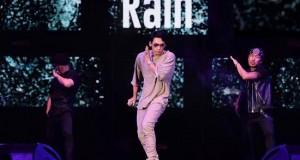 Rain (เรน) และ AKB48 (เอเคบี 48) จัดเต็มโชว์สเต็ปแดนซ์   ในคอนเสิร์ต Viral Fest Asia 2017