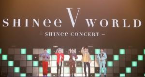 "SHINee จัดเต็มความสนุกพร้อมโชว์อลังการ ปิดท้ายเวิลด์ทัวร์ที่ไทยใน 'SHINee CONCERT ""SHINee WORLD V"" in BANGKOK'"