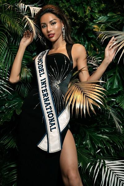 Supermodel International (3)