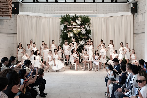 Supermodel International (6)