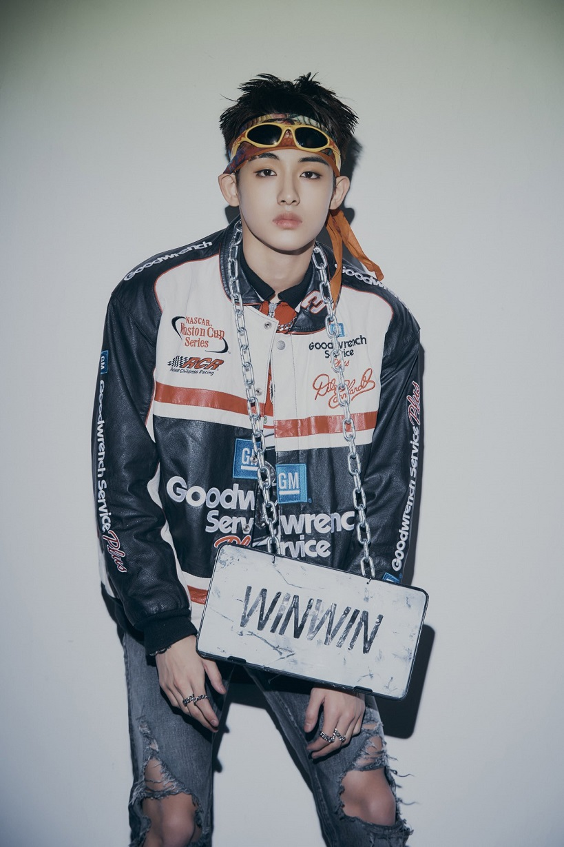 [WINWIN Image 2] WayV - The 1st Album 'Awaken The World'