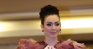 สุดอลังการ!! เปิดตัวเวที Mrs. Universe Thailand 2017  นาตาลี เกลโบว่า สวมชุดผ้าคลุมที่ยาวที่สุดในโลก!!!