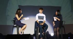 """""""ซอ คัง จุน"""" ลัดฟ้า!! สารภาพตอบรับรักสาวไทย   กลางแฟนมีทติ้งฯ  เต็มอิ่ม!! จ้องตาหวานเยิ้มทั้งฮอลล์"""